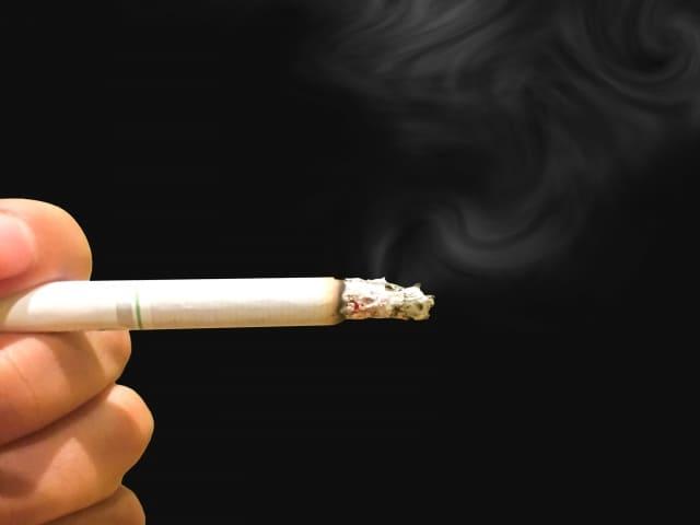 タバコ、動物などが原因でクッションフロアや壁紙を汚してしまった。