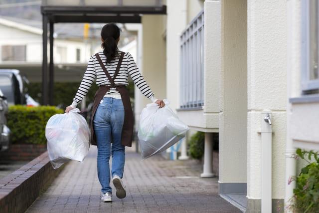 女性がゴミ屋敷を自力で片付ける方法