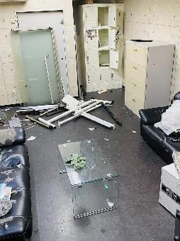 大阪市での食器棚の回収 case1